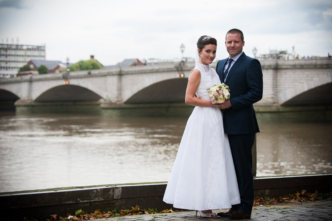 newlyweds by the thames